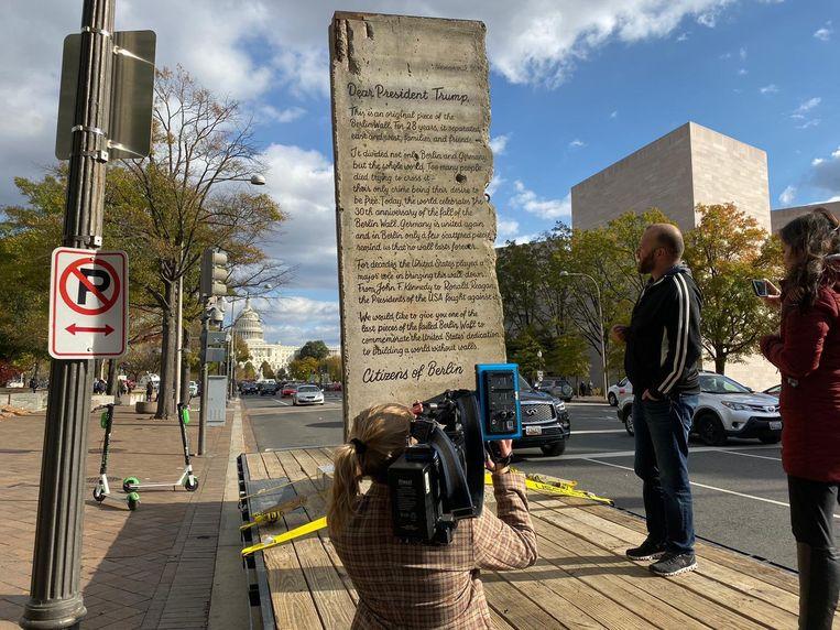 De organisatoren zoeken een openbare plaats waar de open brief tentoongesteld kan worden.