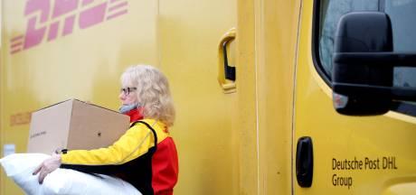 DHL opent pakketpunten in 250 Hema-winkels