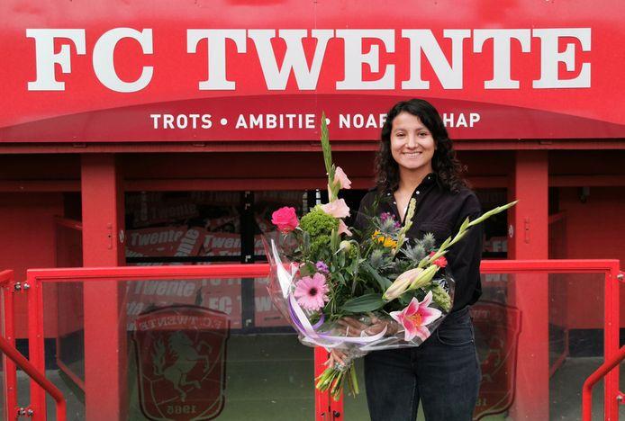 Sabrine Ellouzi, hier op archiefbeeld, gaat haar elfde seizoen bij FC Twente in.