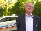 85-jarige instructeur doet opnieuw rij-examen