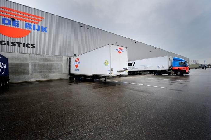 Jan de Rijk Logistics heeft verspreid over Europa zo'n 1.400 medewerkers in dienst. Op de foto de vestiging Roosendaal in de Leemstraat.