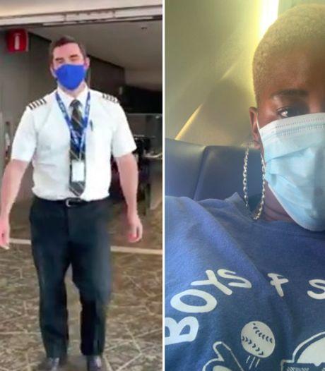 """Une femme recalée d'un avion pour son décolleté """"offensant"""", le pilote lui prête son t-shirt"""