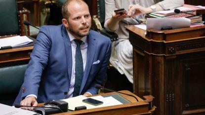"""Theo Francken reageert na kritiek op woonunits: """"Maatregel neem ik niet voor mijn plezier"""""""