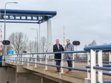 Inwoners Dronten en Elburg zoeken elkaar op: 'Kom over de brug'