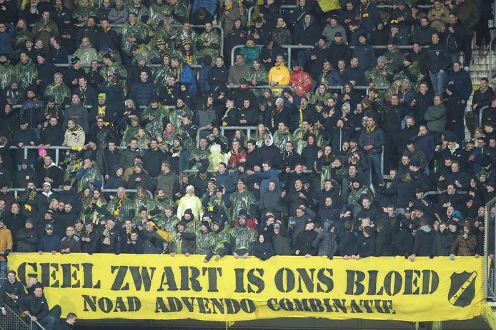 'Geel Zwart is ons bloed': de meegereisde NAC-supporters.