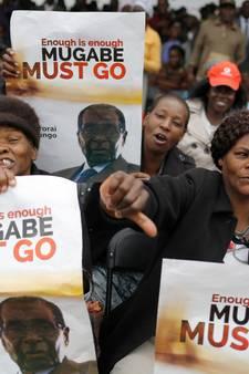 Zimbabwe viert naderend vertrek Mugabe