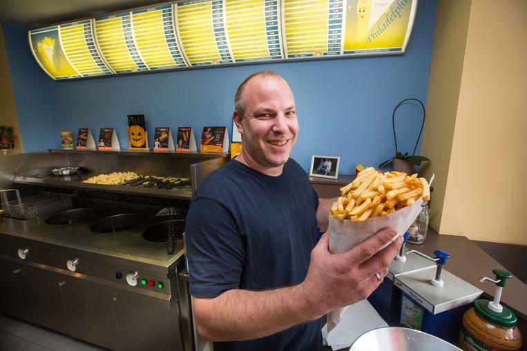 De grootste friet van Limburg kan je krijgen bij frituur Philadelphia in Houthalen.  Uitbater is Ronny Vandebeek.