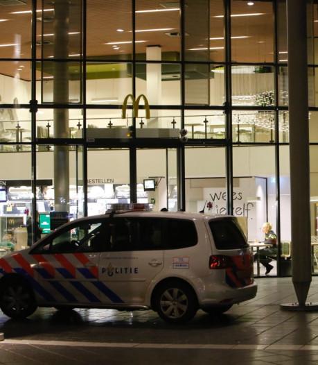 Verdachte (18) opgepakt voor overvallen Plus en McDonald's in Eindhoven