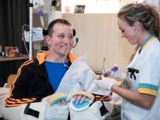 Patrick (33) is verlamd na duik in het ondiepe en hoopt op behandeling: 'Het gebeurde in een flits'
