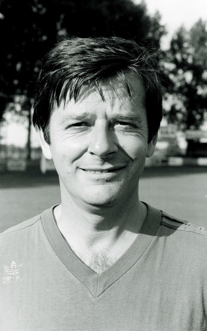 Voormallig trainer Helmond Sport Jan Notermans is op 84-jarige leeftijd overleden.