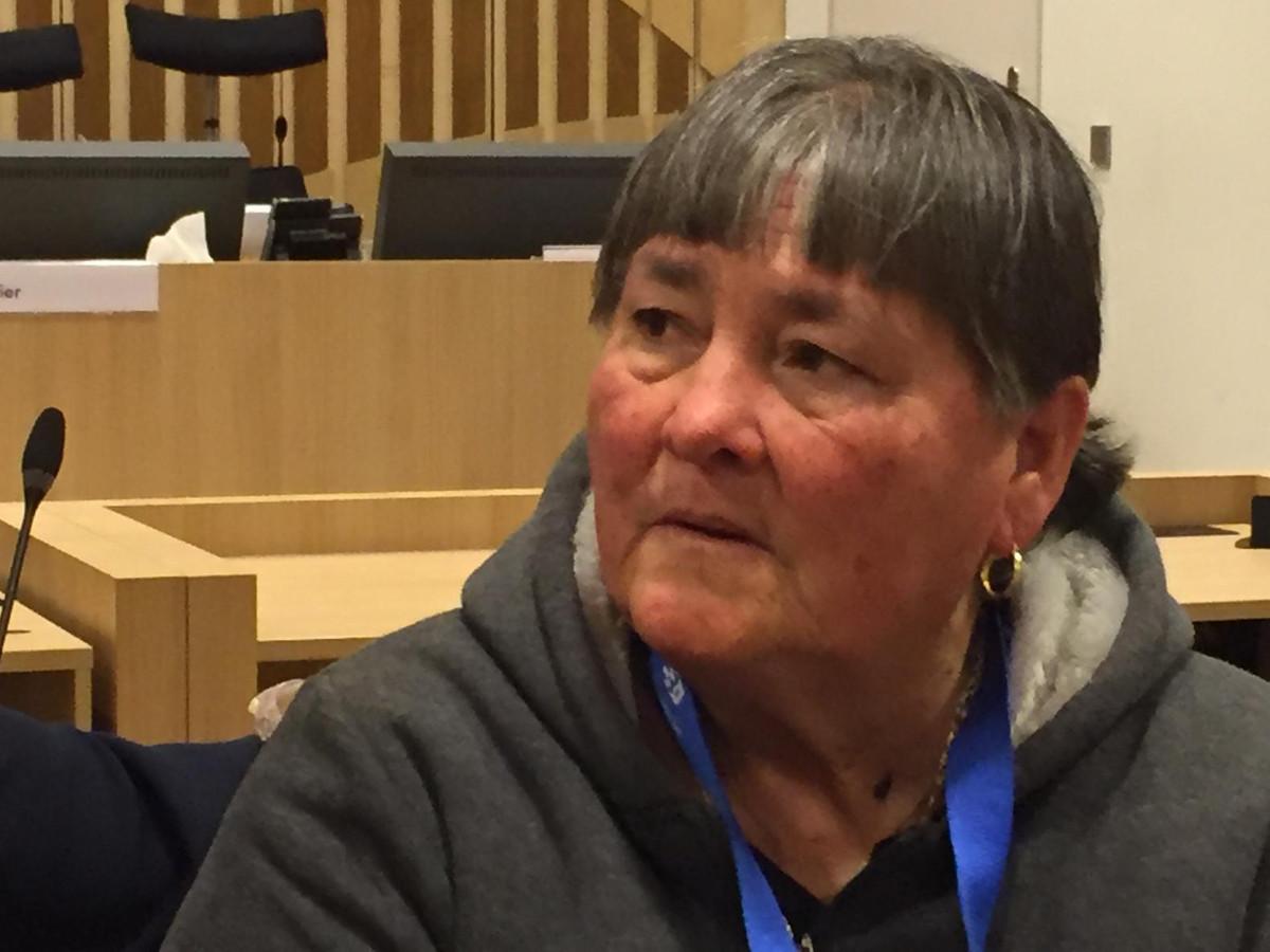 Moeder Maria van Mitch Henriquez in de rechtbank op Schiphol.