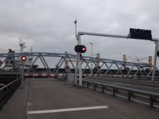 Let op: brug bij Sluiskil komende zaterdagen dicht voor verkeer