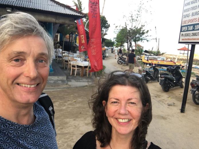 Selfie van Arno Germs en Emma Vissia, gemaakt vlak na hun aankomst in Indonesië op 16 juli.