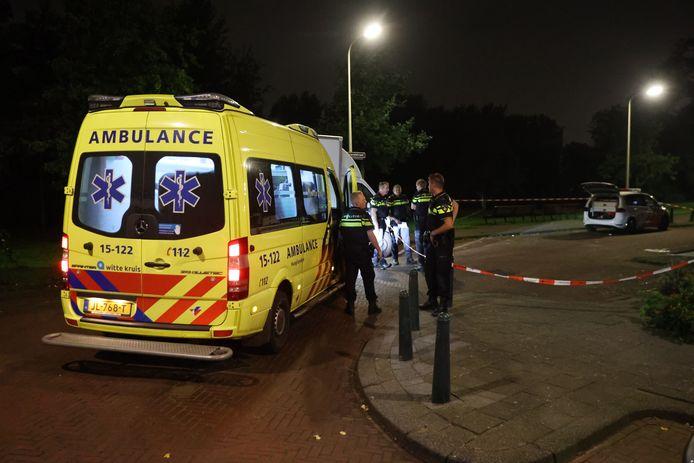 Een ambulance op de Hildebrandstraat, op 13 september 2020.