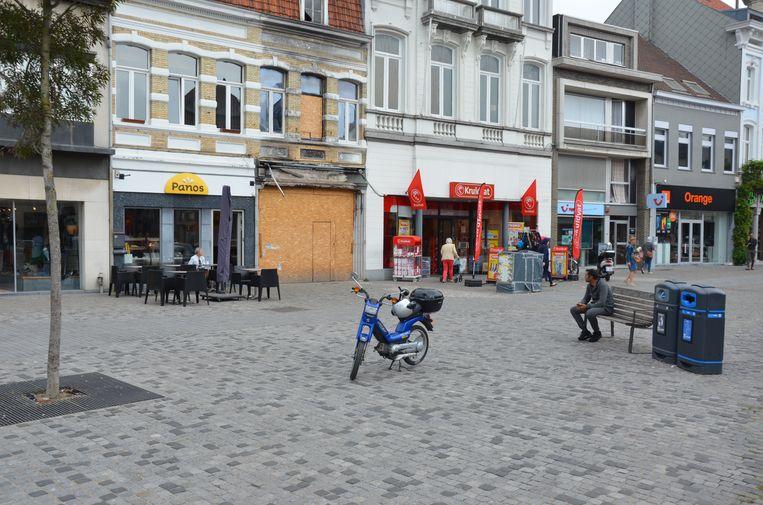Groen dringt bij de stad aan om op de Markt een zitbank te plaatsen die de herinnering aan Wera levend houdt.