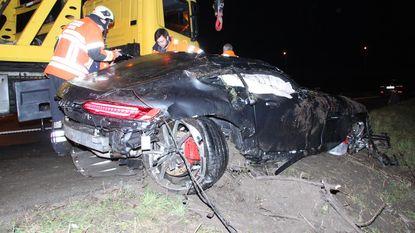 Koppel zwaargewond na duik met exclusieve sportwagen op E403