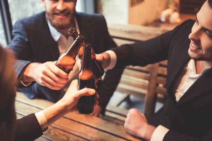 Les hommes ne devraient pas boire d'alcool au moins six mois avant la conception d'un enfant
