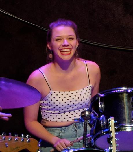 Muzikanten herdenken doodgestoken Sarah (21), Joel S. uit Eindhoven zit nog vast