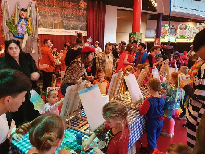 Kindercarnaval in het Chassé Theater in Breda.