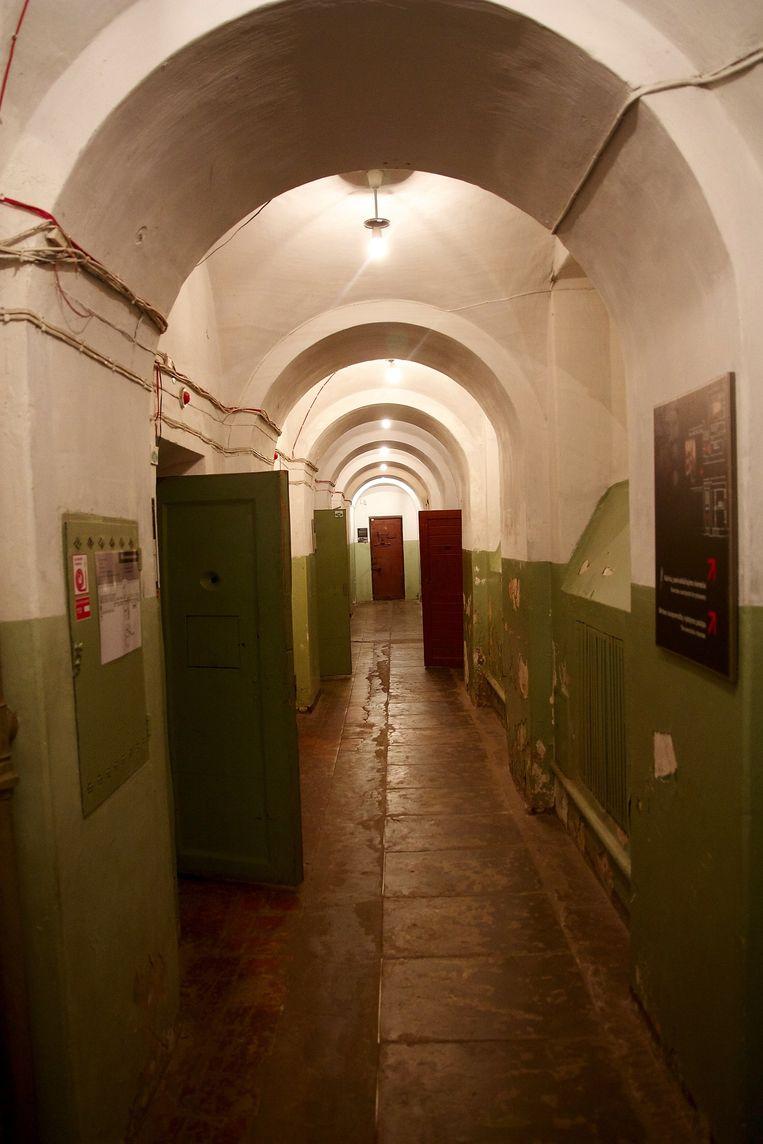 Het cellencomplex in de kelder van het KGB-hoofdkwartier in Vilnius, Litouwen. Tegenwoordig opengesteld voor bezoekers van het Genocidemuseum. Beeld Arno Haijtema