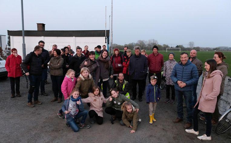 Een veertigtal natuurliefhebbers zakte af naar de voetbalkantine voor de wandeltocht.