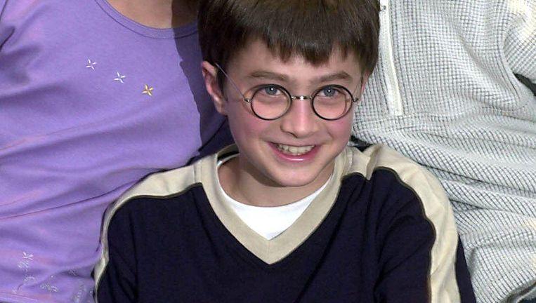 Acteur Daniel Radcliffe die Harry Potter speelde in de verfilmingen van de boeken over de jonge tovenaarsleering. Achter hem Emma Watson en Rupert Grint die Hermelien Griffel en Ron Wemel speelden. Beeld photo_news