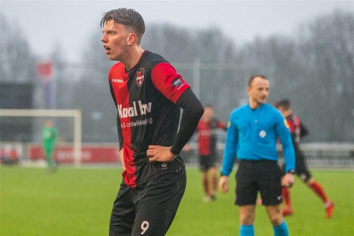 Lowie van Zundert bij zijn debuut voor De Treffers tegen Jong Sparta.