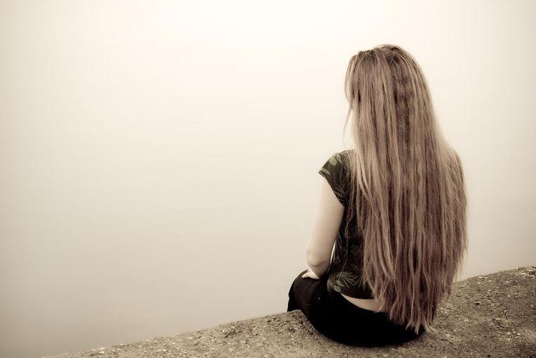 """Uit een studie blijkt dat in Vlaanderen een groot stigma op het zoeken naar psychologische hulp heerst. """"Wie de stap wel zet, voelt zich bovendien beschaamd. Dat helpt het proces natuurlijk niet vooruit"""", zegt Gwendolyn Portzky van de Eenheid voor Zelfmoordonderzoek."""