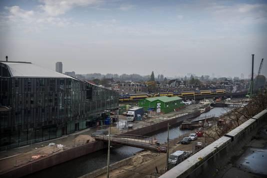 De ontwikkeling van de Spoorzone is een loden last voor de gemeente Delft.