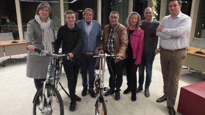 Janco en Filip winnen fiets door te winkelen in Deinze