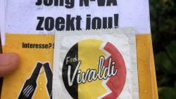 Jong N-VA deelt condooms uit met niet mis te verstane boodschap op: 'F*ck Vivaldi'