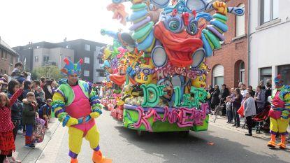 Indrukwekkende carnavalsstoet lokt tienduizenden toeschouwers