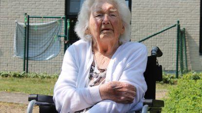 """102-jarige Jeanne verslaat corona: """"Ik heb er eigenlijk geen last van gehad"""""""