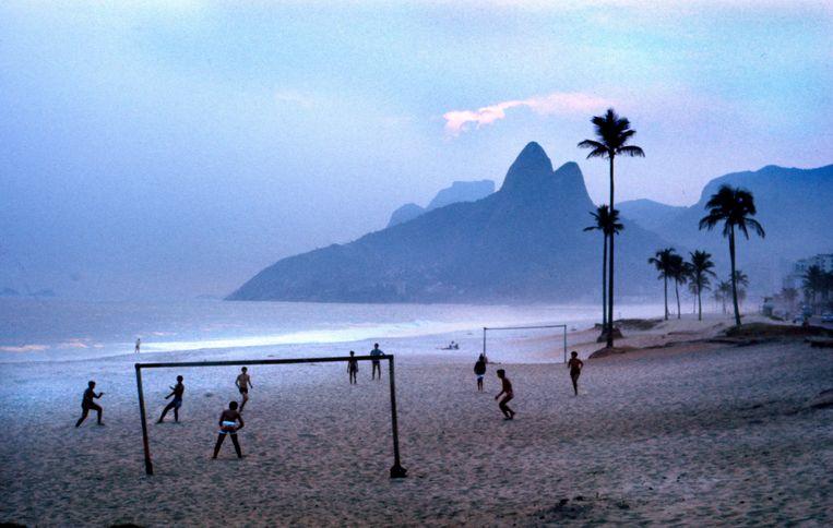 Het strand van Ipanema, Rio de Janeiro, Brazilië, 1967. Beeld Eddy Posthuma de Boer