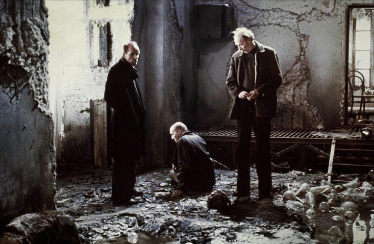 In 'Stalker' gaan drie mannen op zoek naar een kamer waar hun diepste verlangens werkelijkheid worden. Beeld
