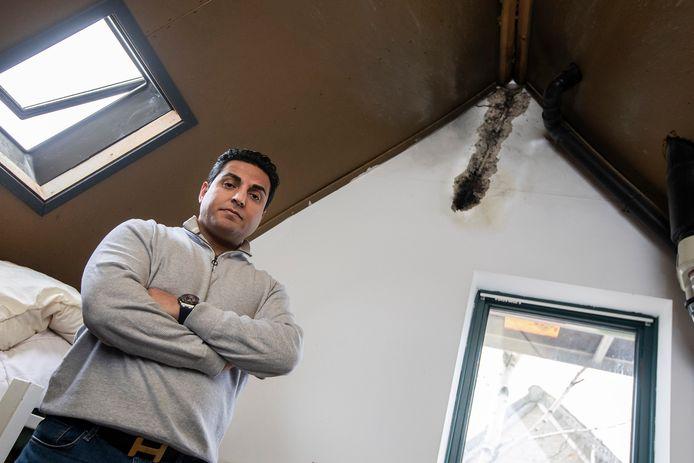 In het huis van Abas Hosseinzoi en zijn familie in 's-Gravenzande sloeg de bliksem door het dak.