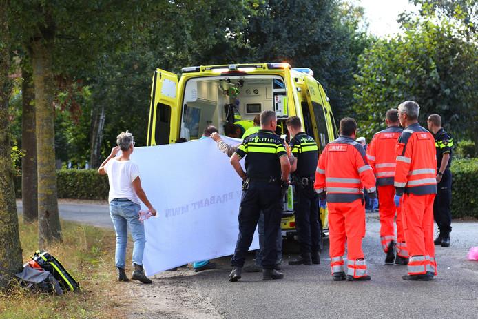 De man werd zwaargewond gevonden op de Erfdijk in Herpen.