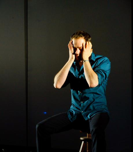 VIDEO: Lucas De Man sprak voor theatervoorstelling 128 mannen