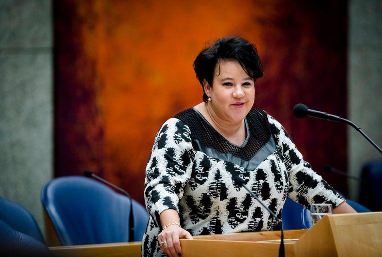 Sharon Dijksma als staatssecretaris aan het werk in de Tweede Kamer. Beeld ANP