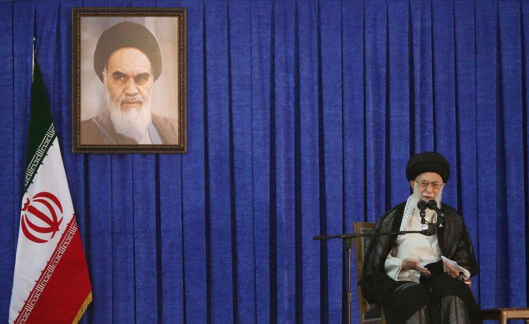De Iraanse leider Ayatollah Ali Khamenei houdt een toespraak in juni 2017.  Beeld REUTERS