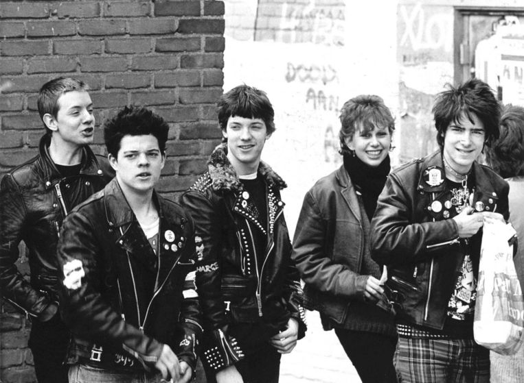 Punkers in Amsterdam, 1982. Beeld anp