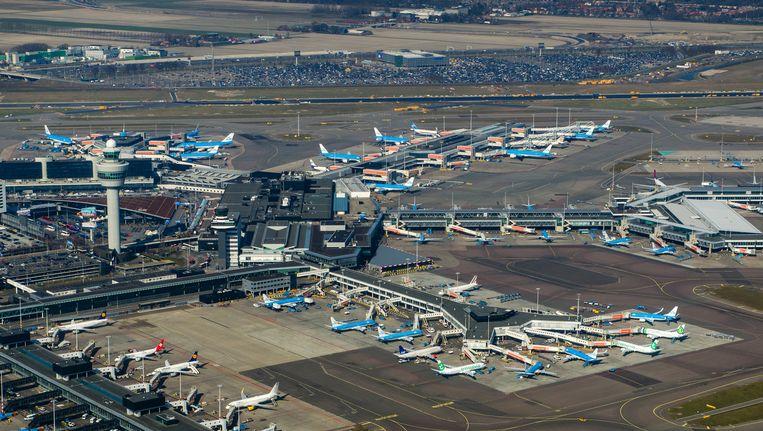Goede Schiphol studeert op extra terminal en zesde baan | De Volkskrant CA-83