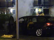 Auto brandt uit in Enschede
