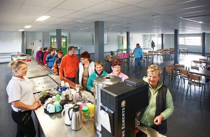 Kantine in het woongebouw voor seizoenwerkers bij teler Verkuijlen in Heeswijk-Dinther (archieffoto).