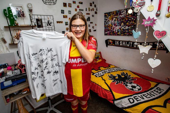 Angelica Dekker is 12 en speelt sinds dit seizoen bij GA en wel in de Bijzondere Eredivisie. Ze heeft autisme. Een droom die uitkomt voor haar, want ze is mega-fan.