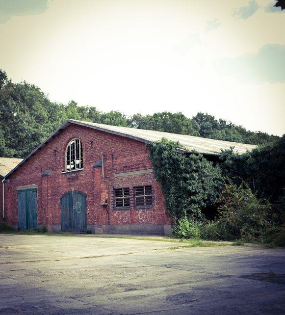 De nieuwe zomerbar zou komen aan Hangar 23 aan het fort in Edegem.