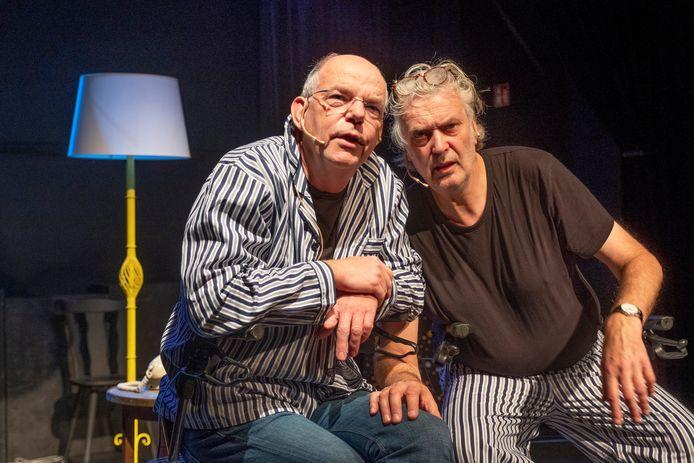 Gijs van der Sluis (l) en Rob Vaillant als het duo De Jochies.