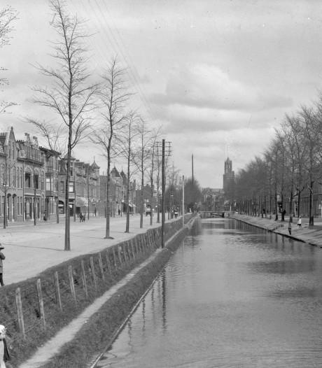 Vroeger werden er regelmatig kinderen uit de Vleutensche Wetering gevist, nu moet je uitkijken als je de Vleutenseweg oversteekt