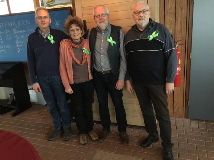Van links af: Peter Haima, Wenny en Hans Hogeweg, en Harold Appelo.