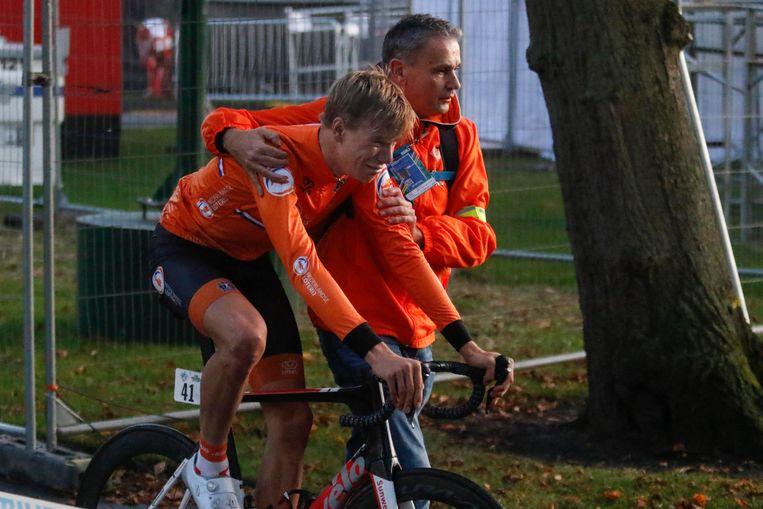 Nils Eekhoff in zak en as.